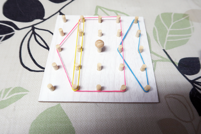 100均知育玩具「輪ゴム遊び」魚の形